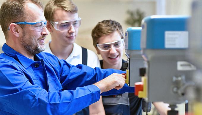 SYMplus™ für die CNC-Ausbildung